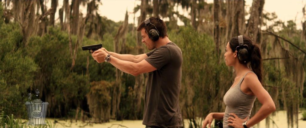 Jeremy nos enseña cómo no apuntar una pistola.