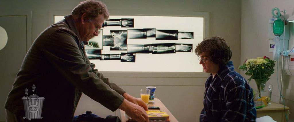 Me encanta que aparezca Watchmen en la pila de historietas.