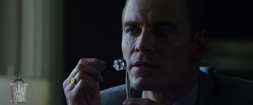 Hasta le aconsejan elegir el diamante más caro.