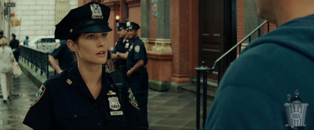 Hooolaaa enferme-- bueno, me puedes arrestar en cualquier momento.